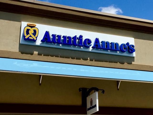 Auntie Anne's Exterior